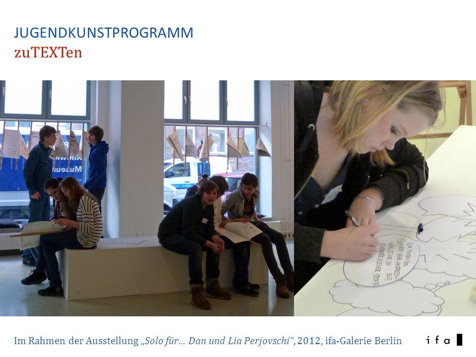 Im Rahmen einer Kooperation mit dem Kunst-Raum des Deutschen Bundestages, Juni 2012 Fotos: Jens Liebchen JUGENDKUNSTPROGRAMM zuTEXTen Zeichnende Reporter / Workshop mit dem Künstler Matthias Beckmann