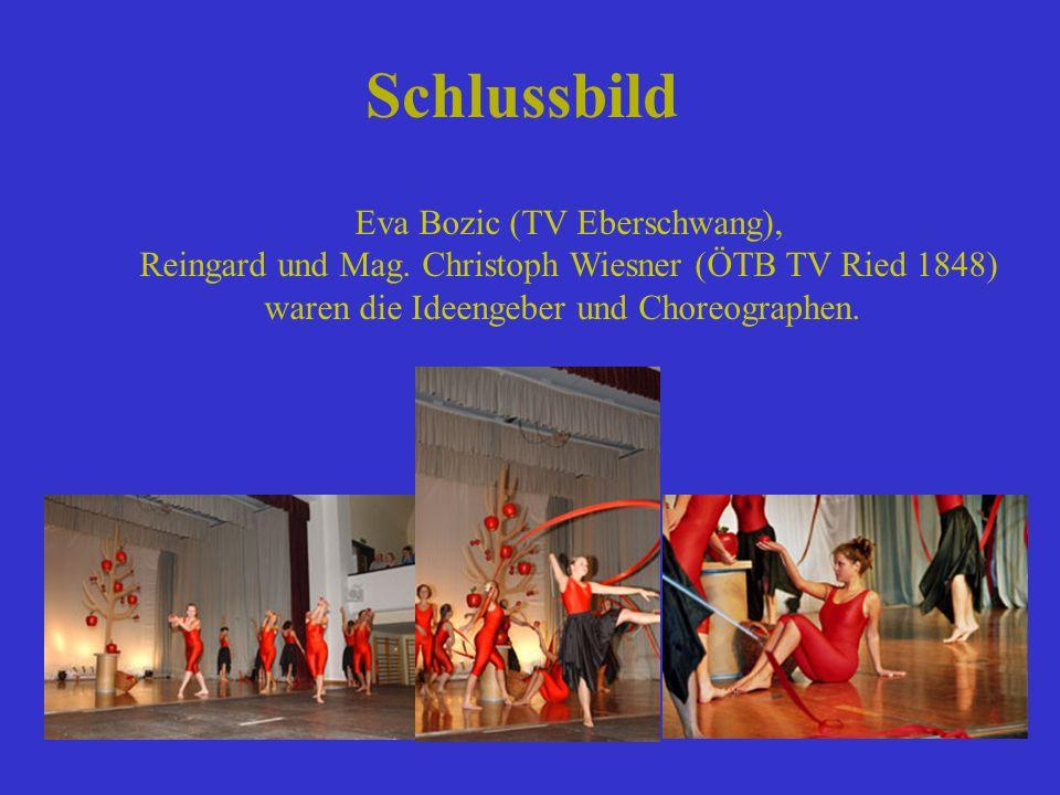 Schlussbild Eva Bozic (TV Eberschwang), Reingard und Mag. Christoph Wiesner (ÖTB TV Ried 1848) waren die Ideengeber und Choreographen.