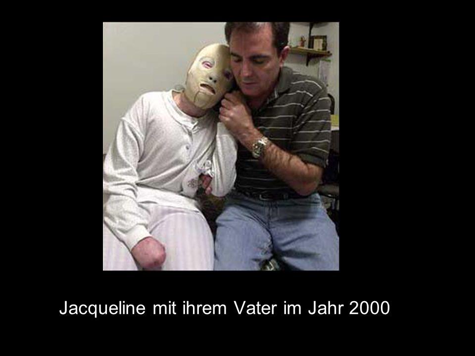 Jacqueline mit ihrem Vater im Jahr 2000