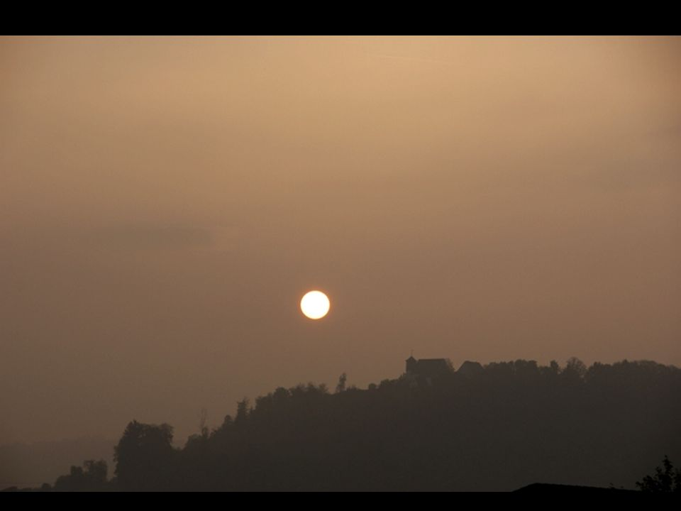 Wenn die Sonne verschwindet lässt sie die Natur aus eigenem Vertrauen immer wieder neu erscheinen. Vertraue auch du deinem Leben.