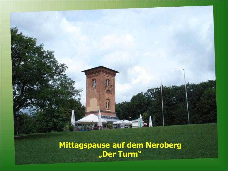 Die Nerobahn wurde 1888 installiert Bahnstrecke 440 m Steigerung bis zu 25% Höhenunterschied 883 m
