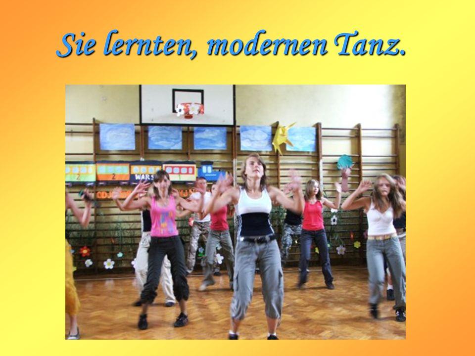 Sie lernten, modernen Tanz.