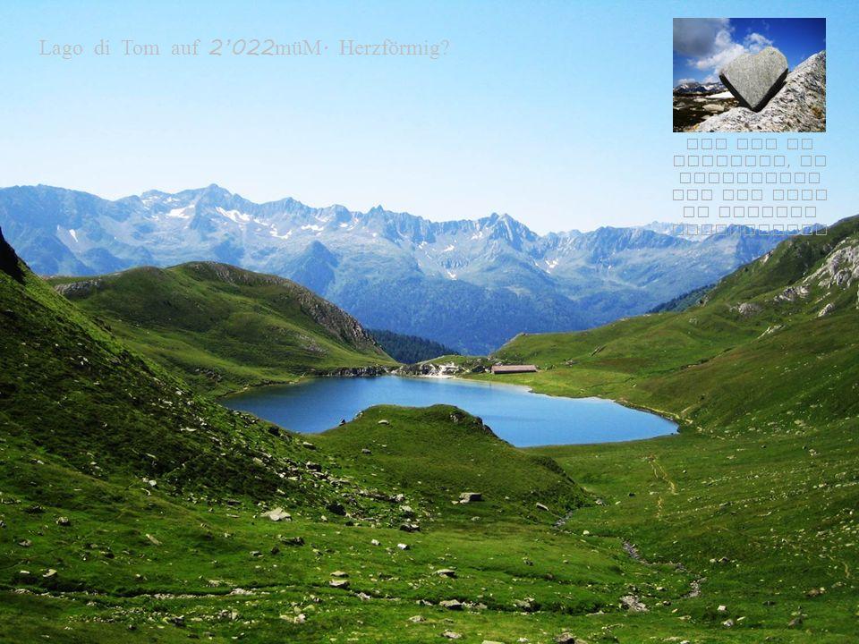 Blick ins Maighelsta l und zu den « Steinmannli - Seen »