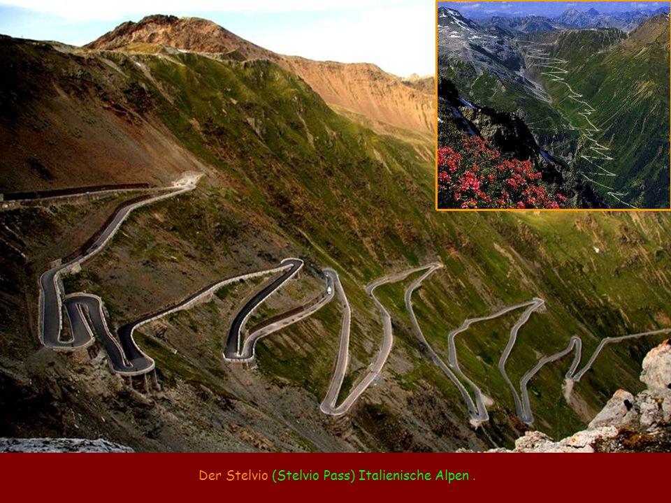 Der Stelvio (Stelvio Pass) Italienische Alpen.