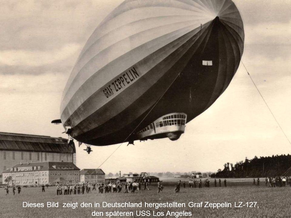Am 18 September, 1928, in Friedrichshafen Das Luftschiff Graf Zeppelin bei ihrem ersten Hangar, direkt vor ihrem Jungfernflug.
