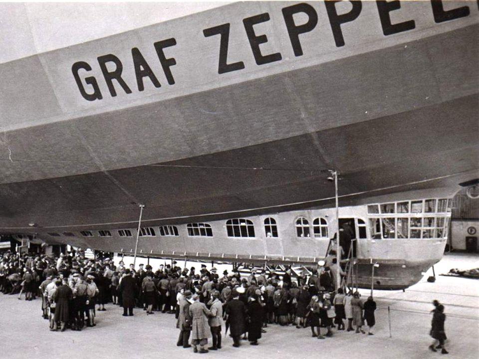 1928 buchte Adams das erste Transatlantikflug Ticket, das jemals an eine Frau verkauft wurde und war beim ersten Flug des Flugschiffes Graf Zeppelin zwischen Nordamerika und Europa im Oktober 1928 dabei.