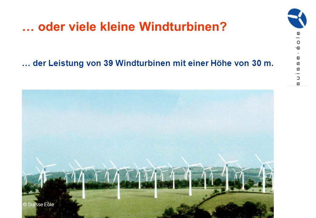 … oder viele kleine Windturbinen? © Suisse Eole; Photomontage Eole Res … der Leistung von 39 Windturbinen mit einer Höhe von 30 m. © Suisse Eole