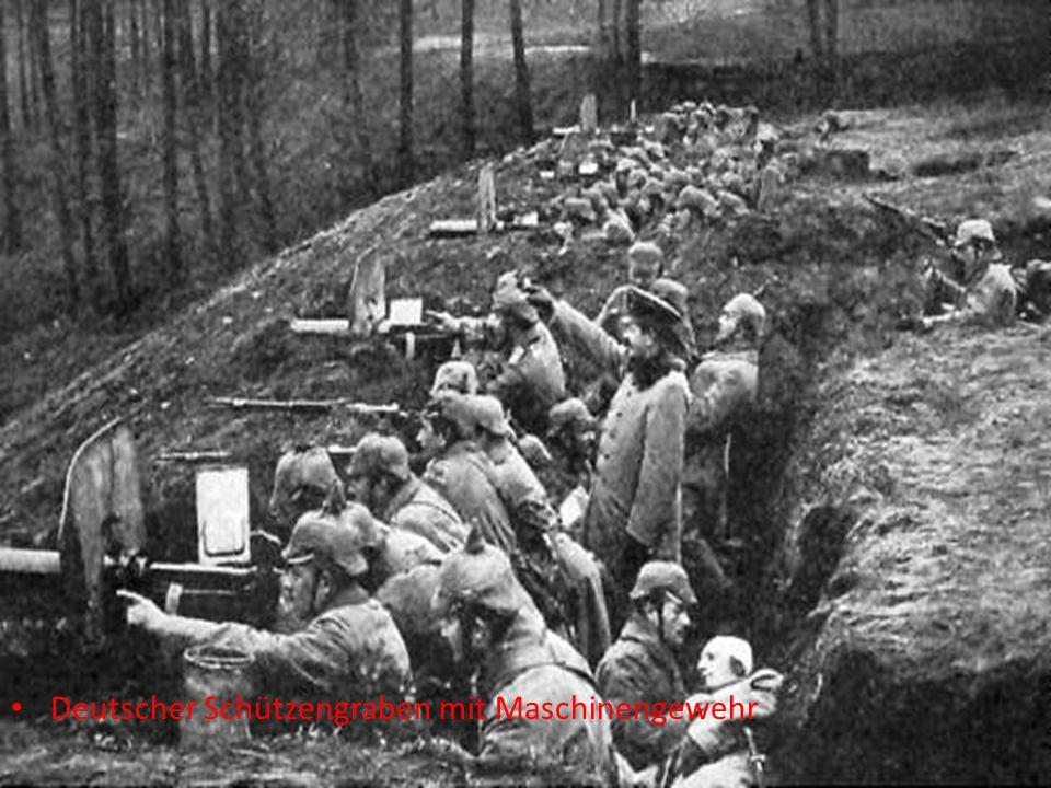 Deutscher Schützengraben mit Maschinengewehr