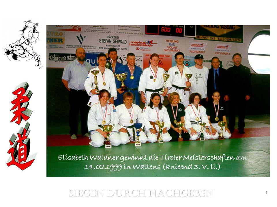 4 Elisabeth Waldner gewinnt die Tiroler Meisterschaften am 14.02.1999 in Wattens (knieend 3. V. li.)