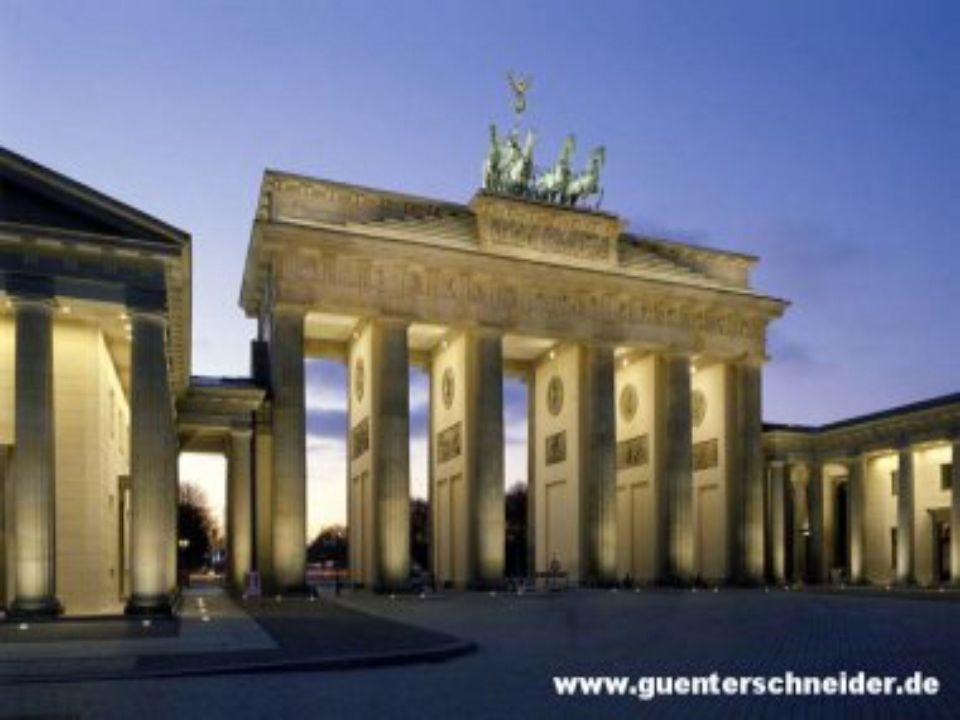 Eines der ältesten Wahrzeichen der Stadt und einer der schönsten Torbauten der Welt.