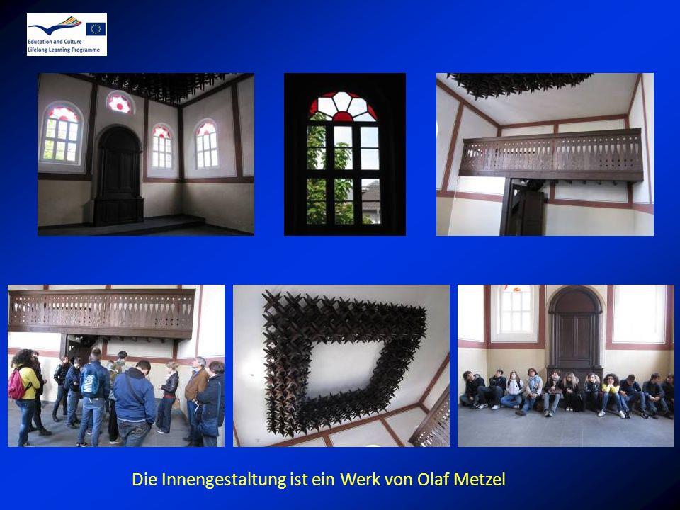 Die Innengestaltung ist ein Werk von Olaf Metzel