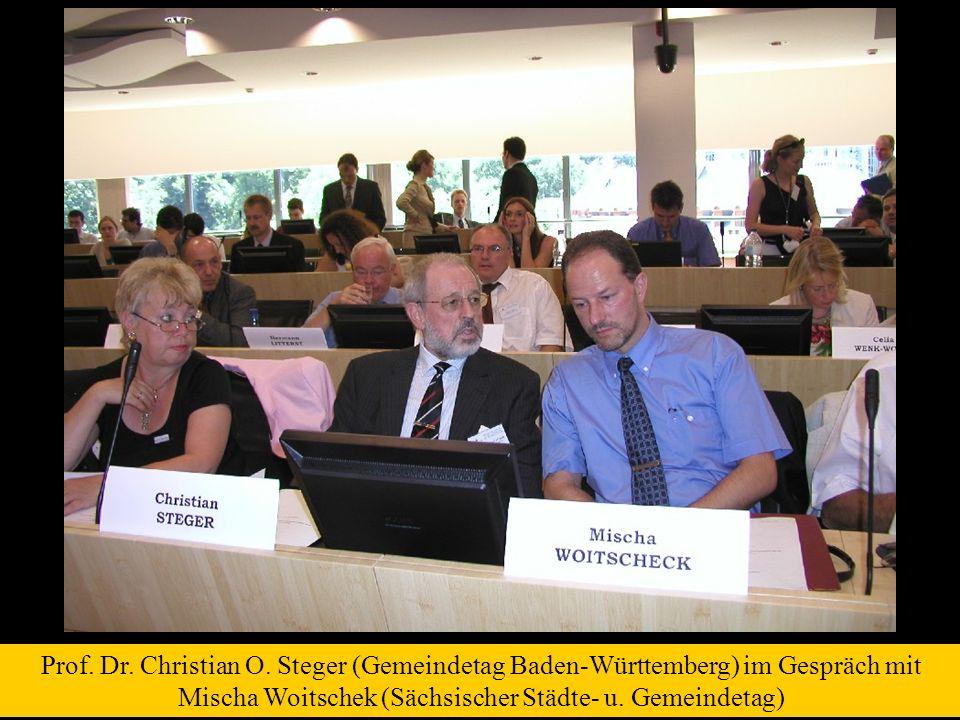 Prof. Dr. Christian O. Steger (Gemeindetag Baden-Württemberg) im Gespräch mit Mischa Woitschek (Sächsischer Städte- u. Gemeindetag)
