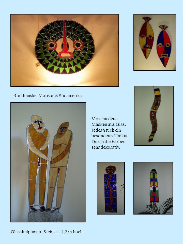 Rundmaske, Motiv aus Südamerika Verschiedene Masken aus Glas. Jedes Stück ein besonderes Unikat. Durch die Farben sehr dekorativ. Glasskulptur auf Ste