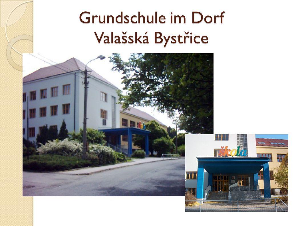 Grundschule im Dorf Valašská Bystřice