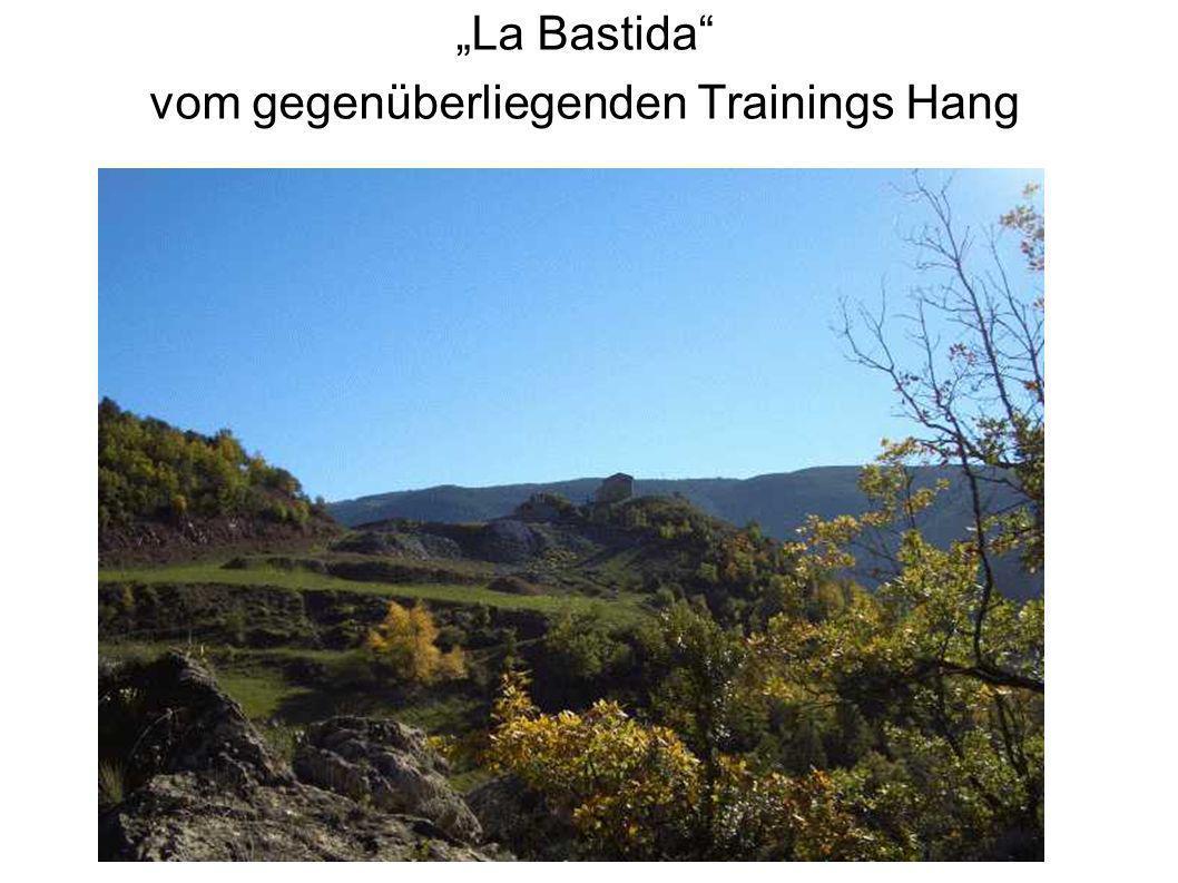 La Bastida vom gegenüberliegenden Trainings Hang