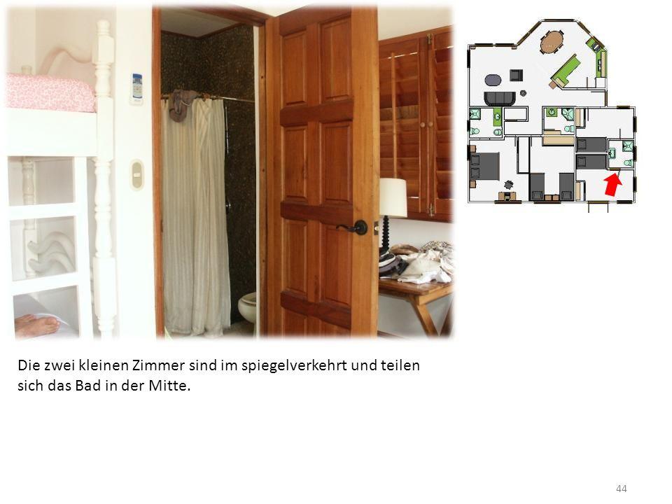 44 Die zwei kleinen Zimmer sind im spiegelverkehrt und teilen sich das Bad in der Mitte.