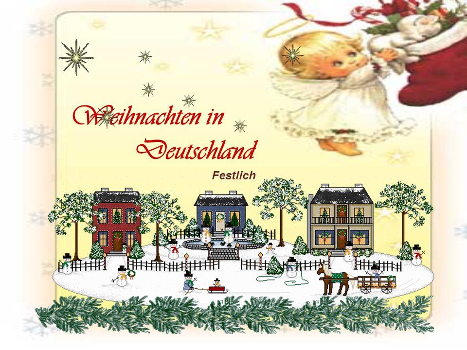 Weihnachten Die Familien versammeln sich in Erwartung des Weihnachtsmanns bedeckt mit einer Tabelle, in der Hoffnung, dass er in dieser Nacht ihnen Geschenke bringt.