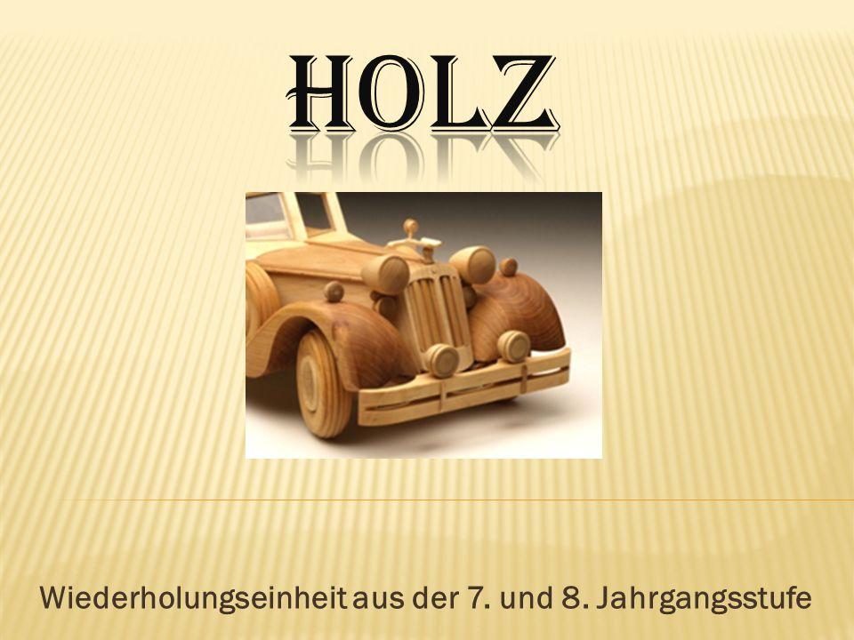 Grafiken und Bilder 01_Hhttp://bildwoerterbuch.pons.eu/images/all/aufbau-eines-baumes-78920.jpg 02_Hhttp://www.flamenco-gitarre.de/tonholz/stamquerschnitt.jpg 03_Hhttp://www.holzwurm-page.de/files/images/kiefer.jpg 04_Hhttp://www.schreiner-seiten.de/holzarten/images/kiefer-baum.jpg 05-6H http://www.google.de/imgres?q=trockenschwund+Kernbrett&um=1&hl=de&tbm=isch&tbnid=fEuIO1Y0h24kKM:& imgrefurl=http://www.holzwurm- page.de/technik/trocknen/schnittware.htm&docid=jL1pZu9zuQ2ypM&imgurl=http://www.holzwurm- page.de/files/images/mittel1.jpg&w=525&h=421&ei=mC_kT5HuD8rStAawwo3OCQ&zoom=1&iact=hc&vpx=195&v py=159&dur=360&hovh=201&hovw=251&tx=150&ty=115&sig=100094696665912641640&page=1&tbnh=164&tbn w=205&start=0&ndsp=2&ved=1t:429,r:0,s:0,i:71&biw=1440&bih=717 07_H http://www.wolman.de/de/infocenter/werkstoff_holz/holzwhttp://www.baum- wald.de/pix/baum.giferkstoffe/index.phphttp://www.wolman.de/de/infocenter/werkstoff_holz/holzwhttp://www.baum- wald.de/pix/baum.giferkstoffe/index.php http://www.reckmann.org/wp-content/Kerbholz.jpg http://www.ginther.de/holzweg.jpg http://www.itv.ch/images/hammer.jpg