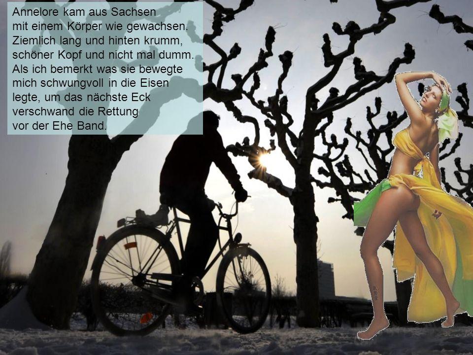 Da war Maria aus dem Münsterland, Da war Maria aus dem Münsterland, die ich beim Müll entsorgen fand. Sie stand gleich neben meiner Tonne, und lächelt