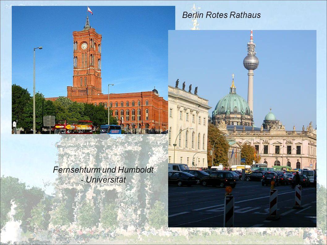 Berlin Rotes Rathaus Fernsehturm und Humboldt - Universität