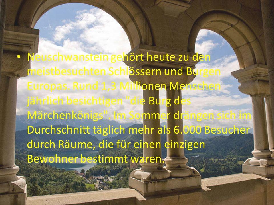 Mit dem Bau des Schlosses wurde 1869 begonnen.Die Wünsche und Ansprüche Ludwigs II.
