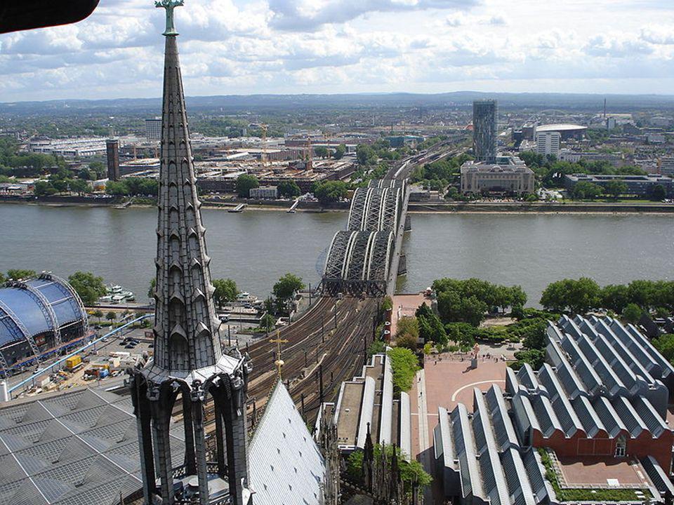 der Kölner Dom 1248-1880 144.5M long 86.5M wide 157M tall towers