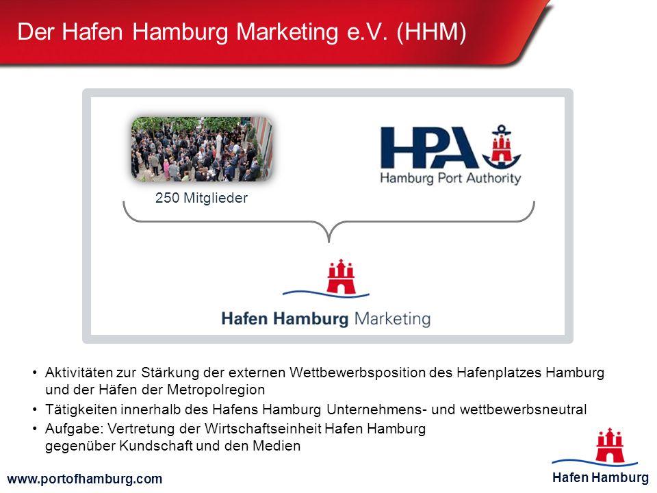 Hafen Hamburg www.portofhamburg.com Angebot der Containerzugverbindungen in Hamburg Der Hamburger Hafen Zweitgrößter Güterbahnumschlagplatz der Welt: Insgesamt mehr als 1200 Züge pro Woche, davon über 700 Containerzüge Fahrplanmäßige wöchentliche Containerzugverbindungen von/nach Hamburg inkl.