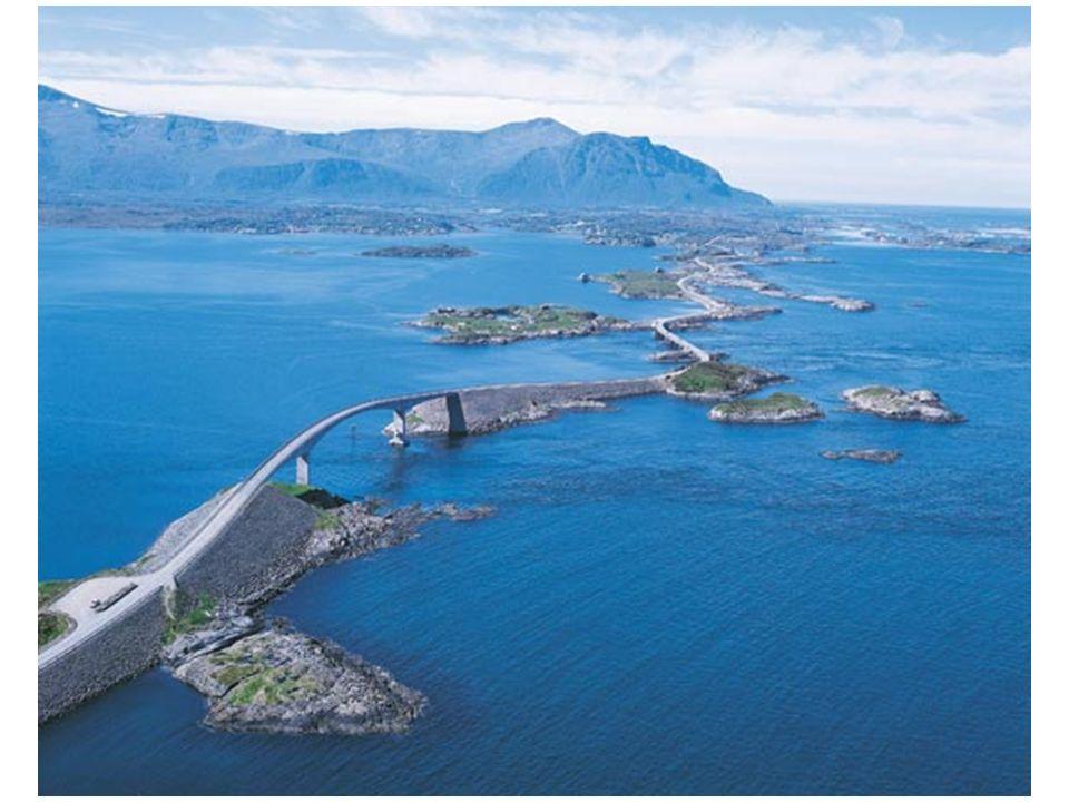 Der wichtigste Meilenstein der Straße, ist die Storseisundet Brücke, die längste aller Brücken (260 Meter), welche eine dramatische Kurve macht.