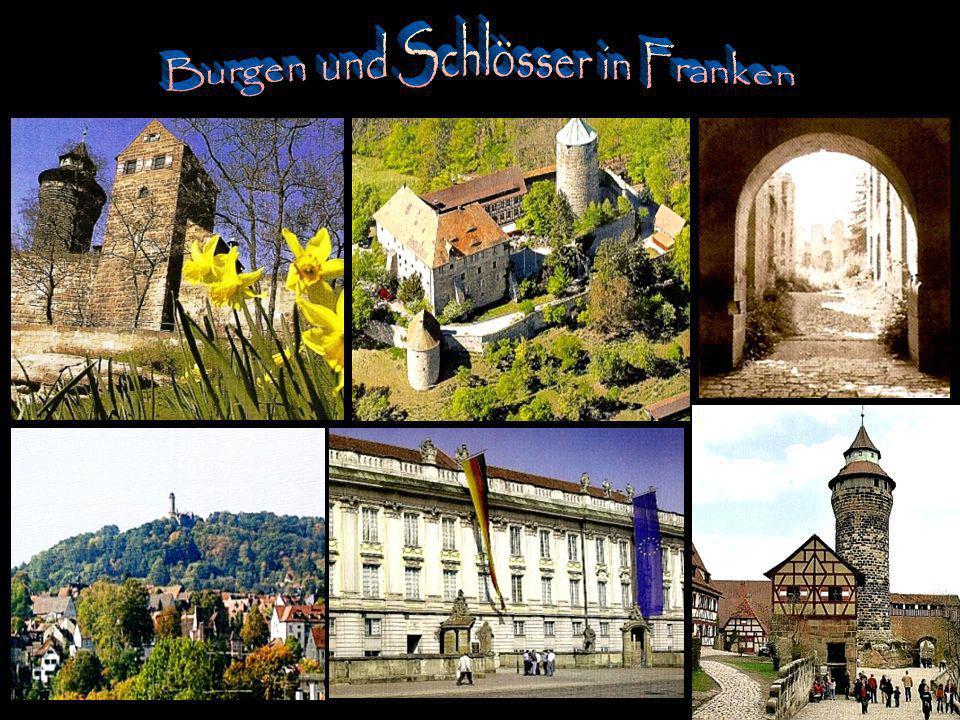 Über dem Burgtor ist das Wappenrelief des Phillip Graf von Henneberg im Sandstein verewigt.