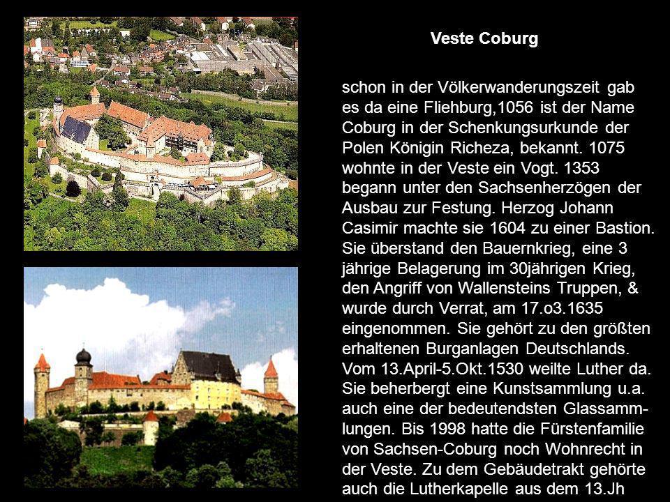 Am Anfang der barocken Residenz war sie ein Spital für Arme & Kranke, bereits um 1180 gestiftet von einem örtlichen Ritter.