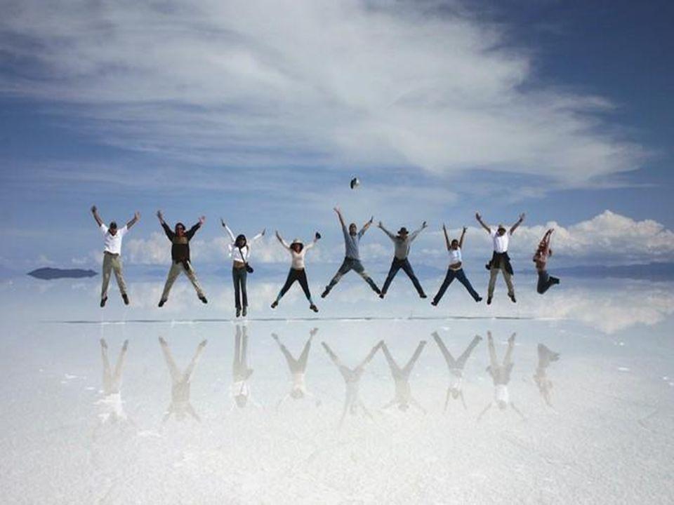 http://wissenschaft3000.wordpress.com/ Der Uyuni Salzsee von Tunupa, umfasst 12.000 km ², damit ist er der größte Salzsee der Welt.
