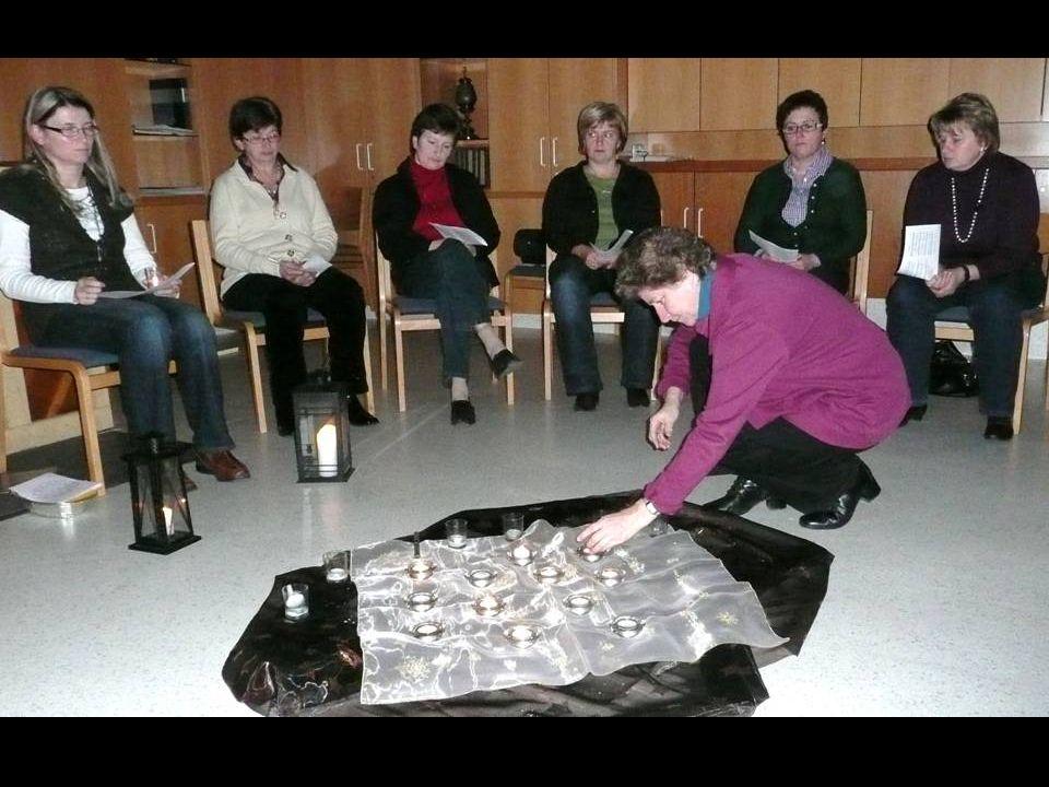 Katholische Frauenbewegung Frauenhände arbeiten das ganze Jahr über für andere.