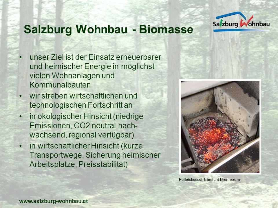www.salzburg-wohnbau.at erste Umsetzung der Technologie 1997 die bis dahin größte Biomasse-(Pellets) Heizung im Sozialen Wohnbau wird in der Wohnanlage Bernhoferin Golling eingebaut 2 Pelletskessel 220 KW (Grundlast) und 150 KW (Spitzenlast) versorgen 60 Wohnungen große Biomasseheizung - Golling Bernhofer Ansicht Wohnanlage Golling Bernhofer