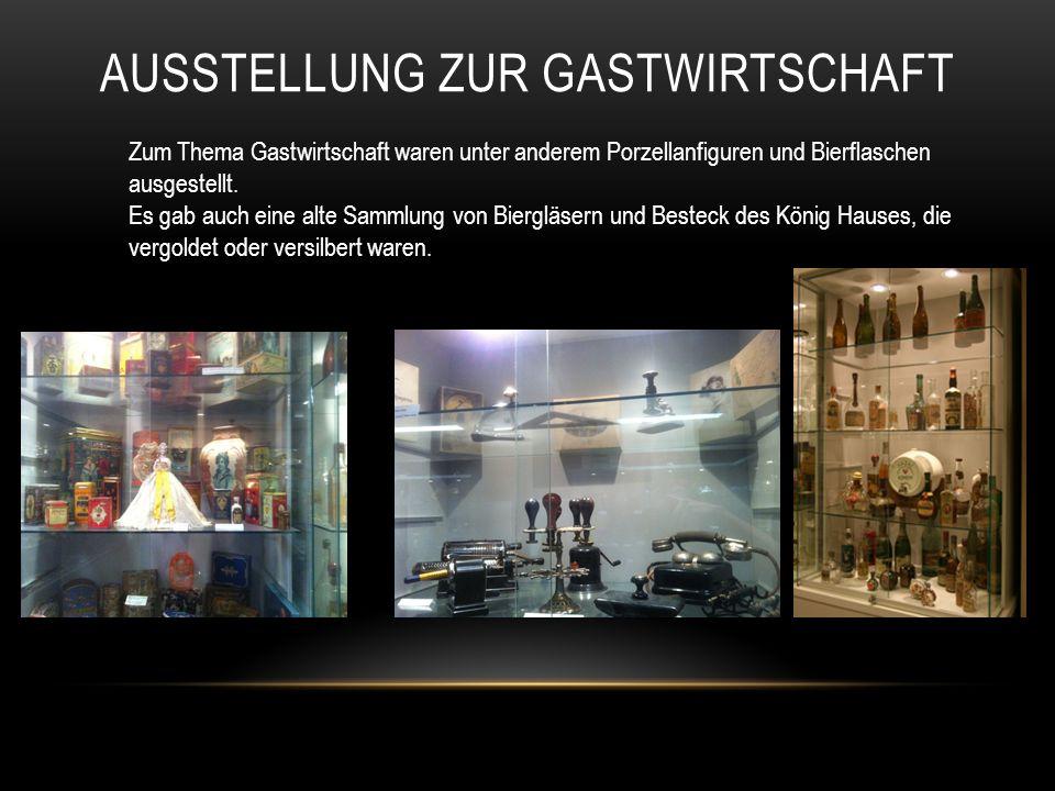 AUSSTELLUNG ZUR GASTWIRTSCHAFT Zum Thema Gastwirtschaft waren unter anderem Porzellanfiguren und Bierflaschen ausgestellt.