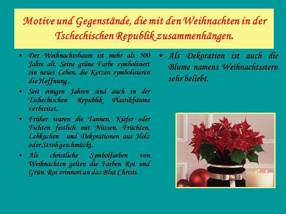 Motive und Gegenstände, die mit den Weihnachten in der Tschechischen Republik zusammenhängen. Der Weihnachtsbaum ist mehr als 500 Jahre alt. Seine grü