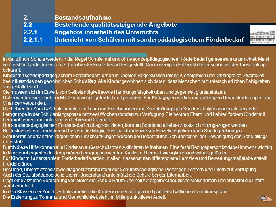 2.2.3.2 Schulbücherei Als Antwort auf den kostenbedingten Wegfall des Bücherbusses in Neukölln gibt es seit Februar 2009 an unserer Schule eine hauseigene Bücherei.