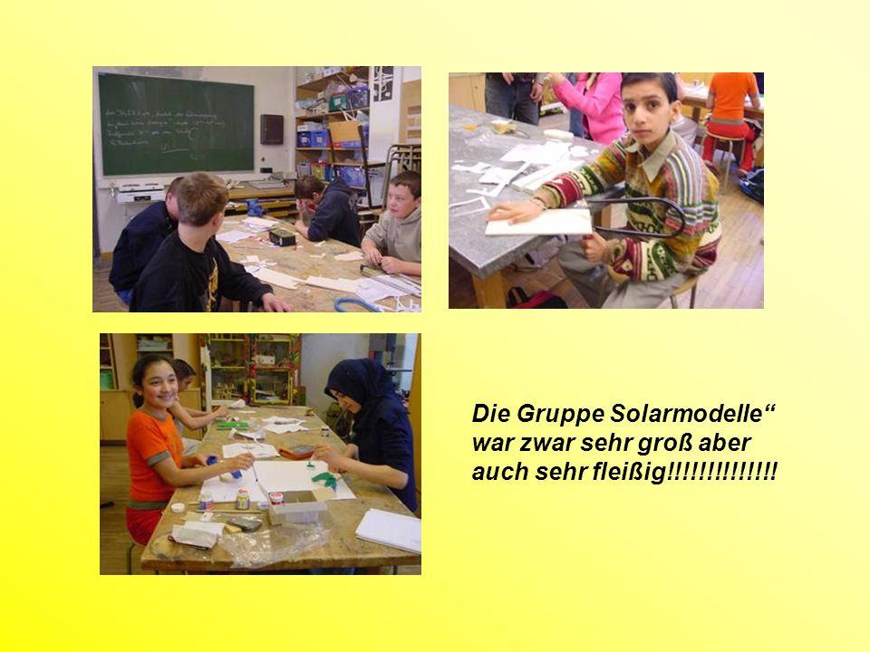 Die Gruppe Versuchsanordnungen machten kein Plakat, sondern präsentierten uns ihre Versuche!
