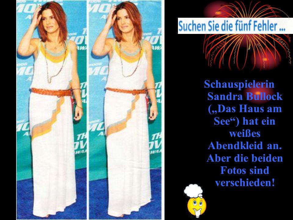 Schauspielerin Sandra Bullock (Das Haus am See) hat ein weißes Abendkleid an. Aber die beiden Fotos sind verschieden!