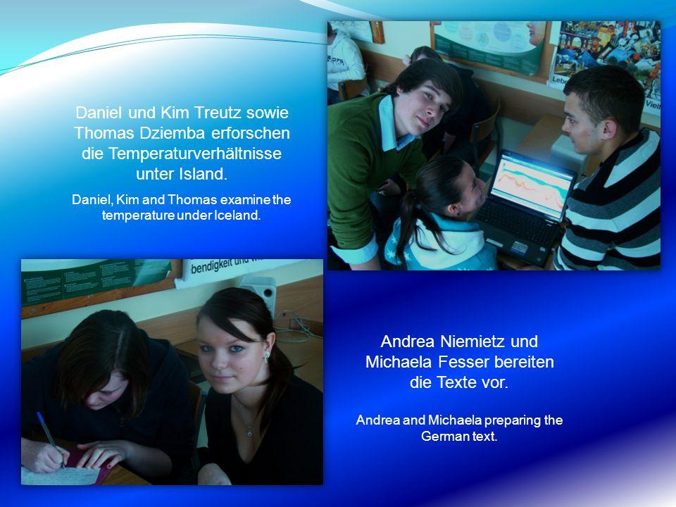 Daniel und Kim Treutz sowie Thomas Dziemba erforschen die Temperaturverhältnisse unter Island. Daniel, Kim and Thomas examine the temperature under Ic