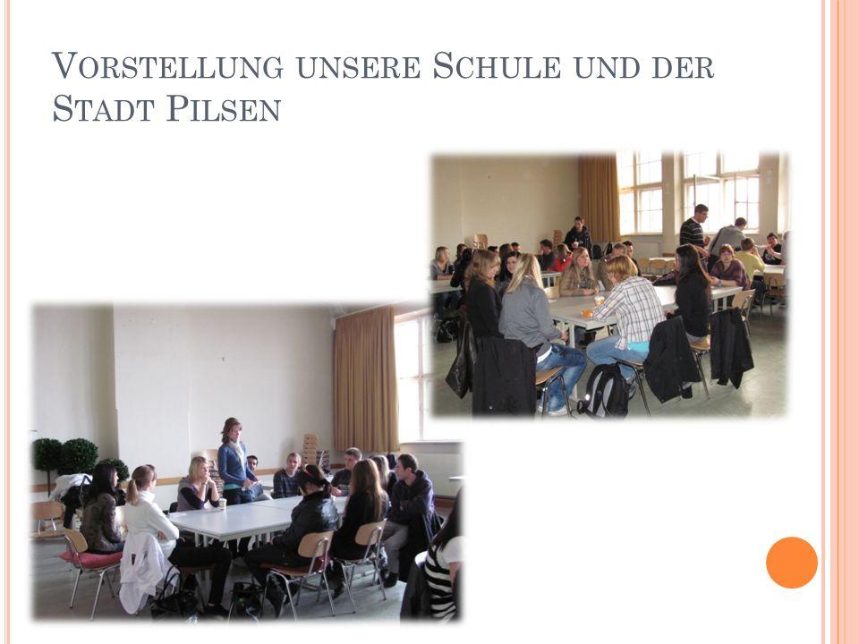 B EGINN DER G RUPPENARBEIT Sophie Scholl – die letzten Tage Jüdisches Leben in München Die Widerstandsgruppe Weiße Rose Expressionismus Themen :