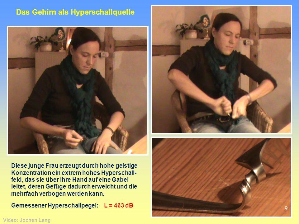 Video: Jochen Lang Diese junge Frau erzeugt durch hohe geistige Konzentration ein extrem hohes Hyperschall- feld, das sie über ihre Hand auf eine Gabe