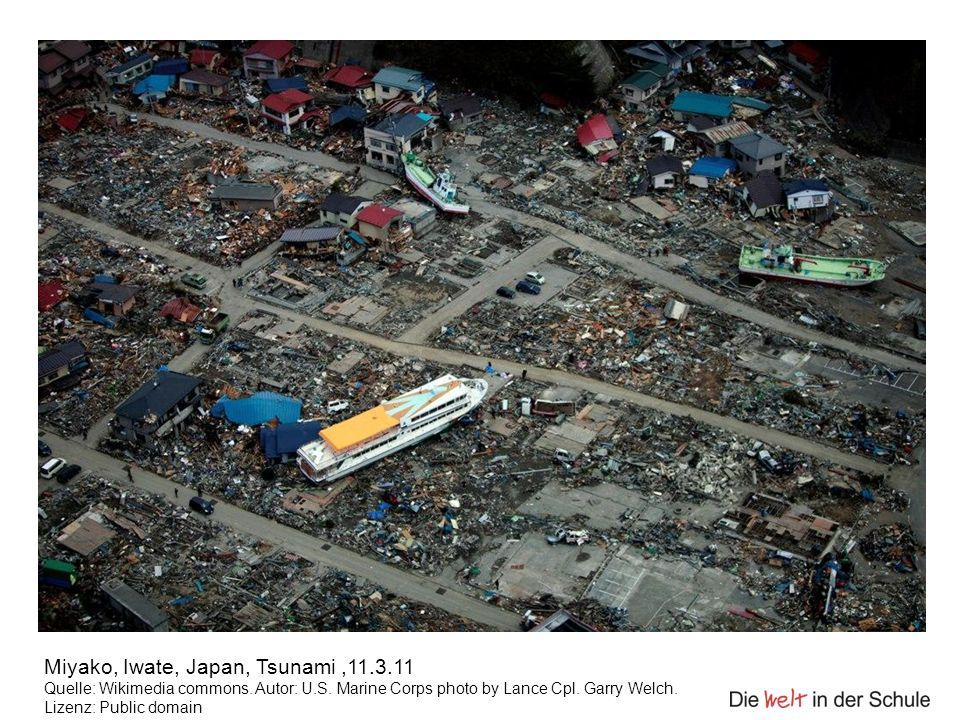 Miyako, Iwate, Japan, Tsunami,11.3.11 Quelle: Wikimedia commons. Autor: U.S. Marine Corps photo by Lance Cpl. Garry Welch. Lizenz: Public domain