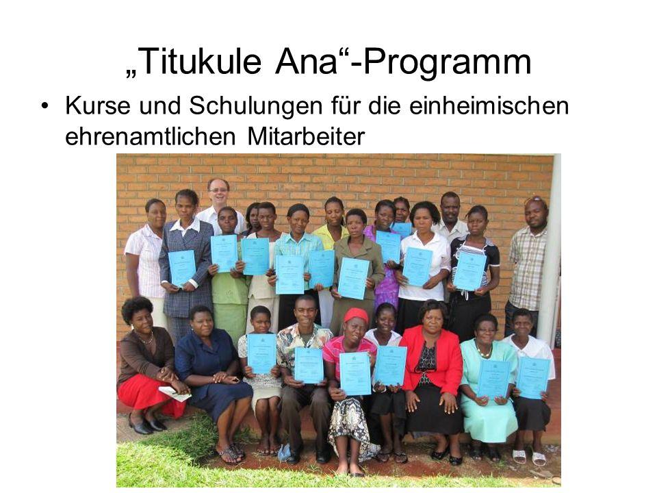 Titukule Ana-Programm Kurse und Schulungen für die einheimischen ehrenamtlichen Mitarbeiter ( foto)