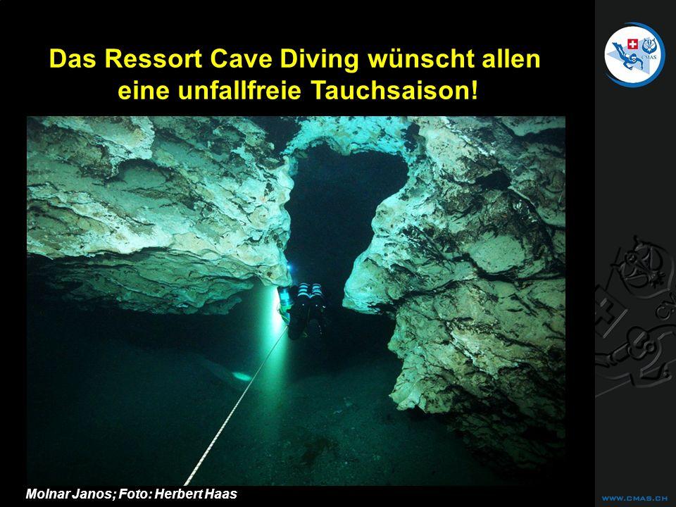 CAVE DIVING Das Ressort Cave Diving wünscht allen eine unfallfreie Tauchsaison! Molnar Janos; Foto: Herbert Haas