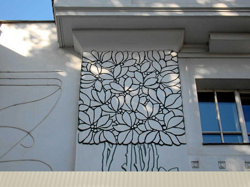 Bratislava – renoviertes Haus auf dem Hlavné námestie