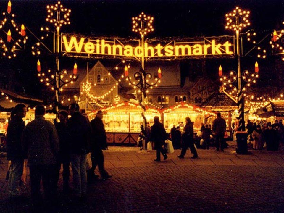 Der Weihnachtsmarkt Nummer 1 in Berlin ist wohl der Weihnachtszauber-Markt am Gendarmenmarkt in Mitte.