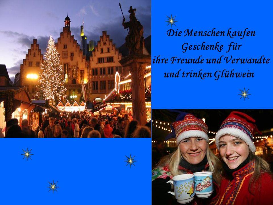 Schöne Weihnachtsfeiertage für dich Geruhsame Feiertage und einen guten Rutsch ins Neue Jahr Wünsche wunderschöne, schneereiche und frohe Weihnachtsfeiertage Liebe Grüße und die besten Wünsche für frohe Weihnachtstage Wünsche schneereiche, frohe Weihnachtstage mit vielen Geschenken Schöne Weihnachtsund Neujahrstage ohne Stress und Druck Glückliche, spassige Weihnachtsfeiertage Wir wünschen Euch ruhige Weihnachtstage ohne Stress im Kerzenschein Wir wünschen schöne Weihnachtsfeiertage.