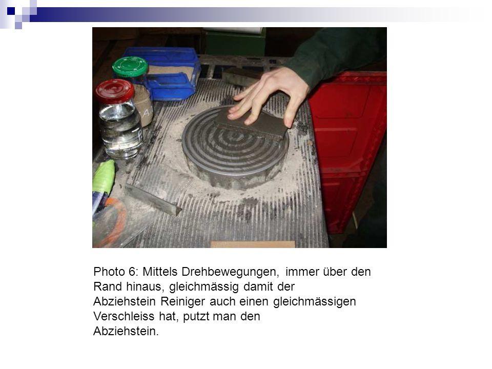 Photo 7: Geputzter Abziehstein mit Lappen reinigen.