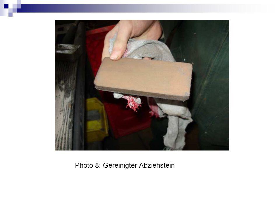 Photo 9: Noch ein kleiner Abziehstein zum reinigen