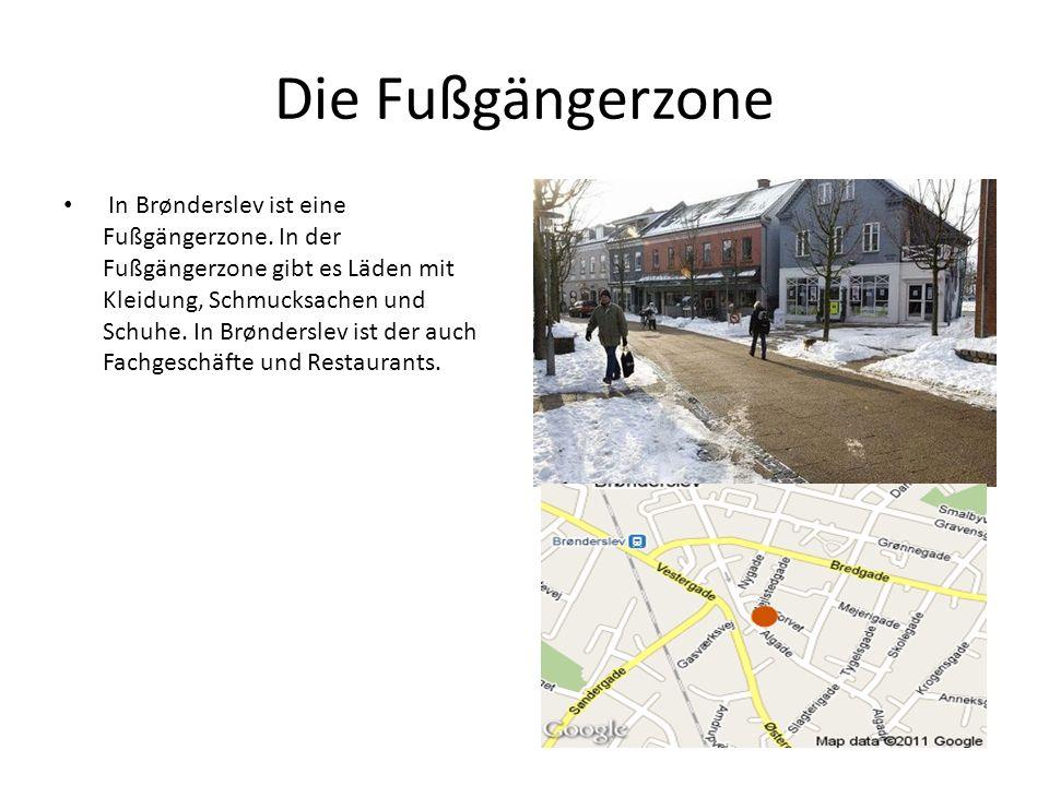 Die Fußgängerzone In Brønderslev ist eine Fußgängerzone. In der Fußgängerzone gibt es Läden mit Kleidung, Schmucksachen und Schuhe. In Brønderslev ist